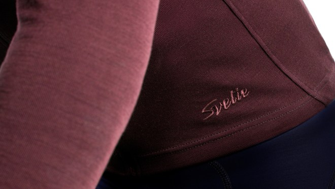 svelte_product_1080x608_details_burgundy_2