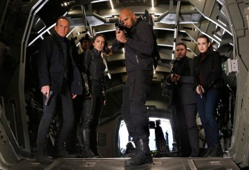 "Agents of SHIELD 4.14 Review: ""The Man Behind The Shield"""