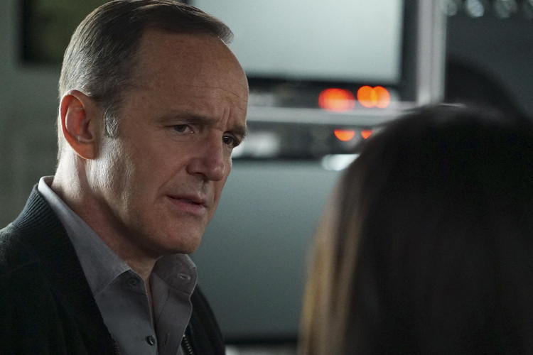 """Agents of SHIELD 4.22 Review: """"World's End"""""""