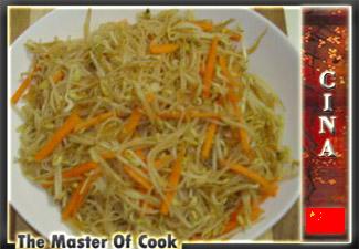 Pasta di riso con germogli di soia