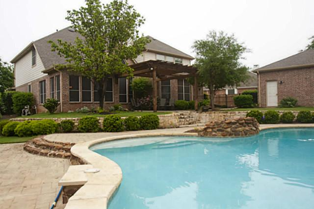 8100 Beverly Drive, North Richland Hills, TX 76182 – SOLD!