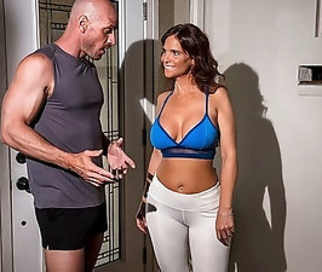 Syren De Mer Loves Sexy Personal Trainer And Ends Up Bonking Him