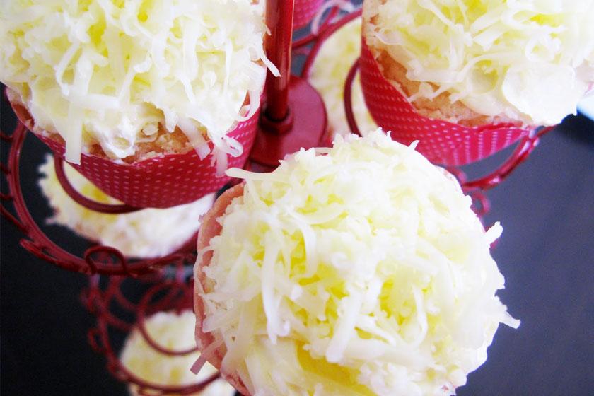 Quezo Chiffon Petite Cupcakes