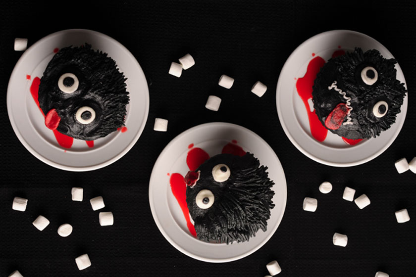 Black Chuzzle Cupcakes