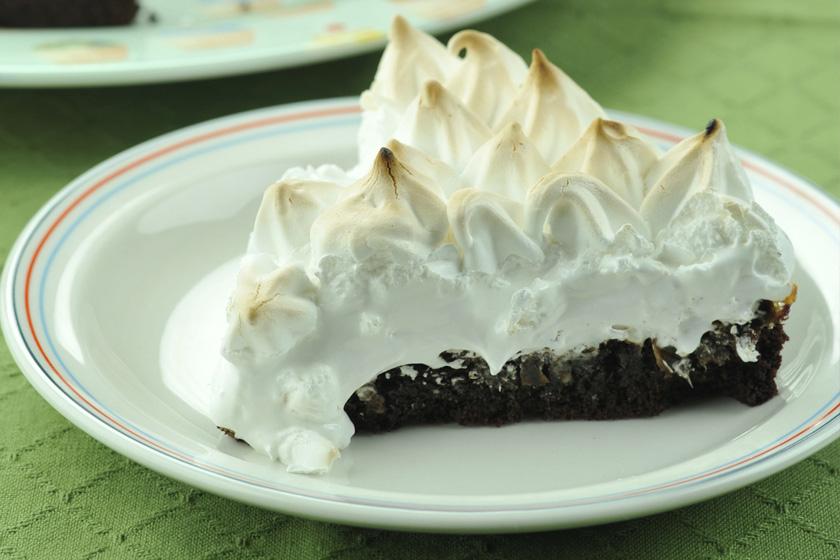 Date Meringue Cake