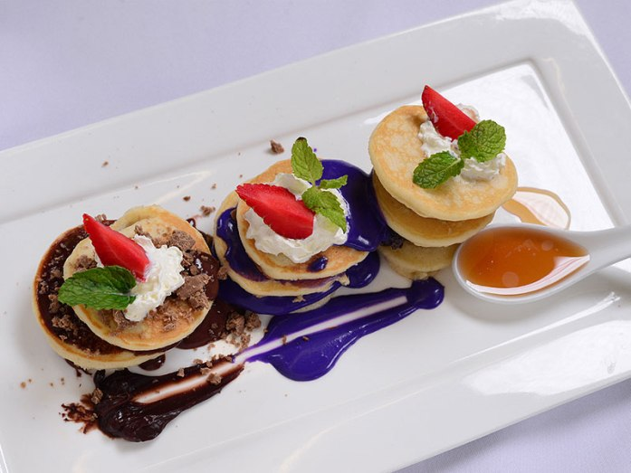 pancakes-with-different-toppings1