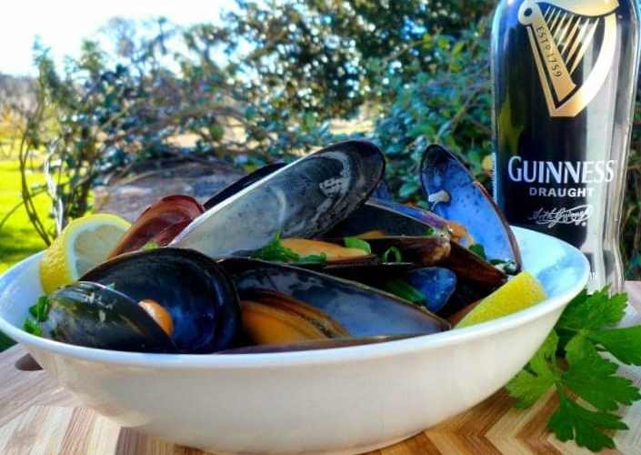 Drunken Irish Mussels in Guinness Sauce