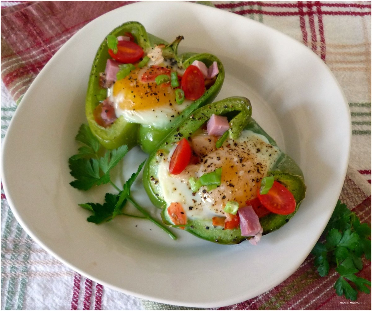 Sunny Side Up #Eggs with #Ham, #Potatoes, and #Tomatoes baked in a #Pepper