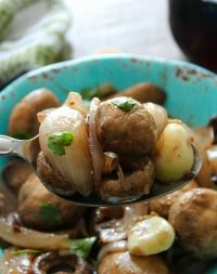 Mushrooms in wine sauce