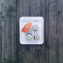 foodiesfeed.com_minimal-sushi-wooden-background