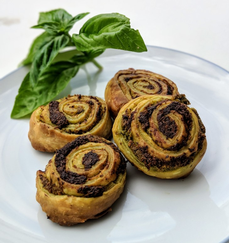 Pesto roll-up appetizers