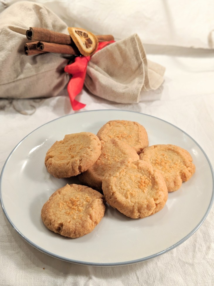 Kokosplätzchen (Coconut biscuits)