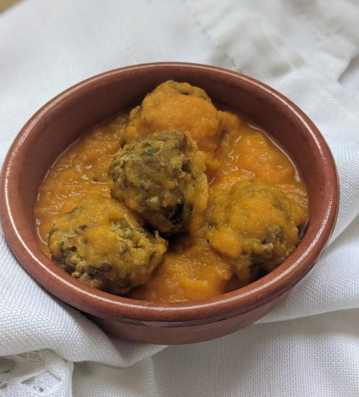 Vegetarian Meatballs (meat-less-balls)