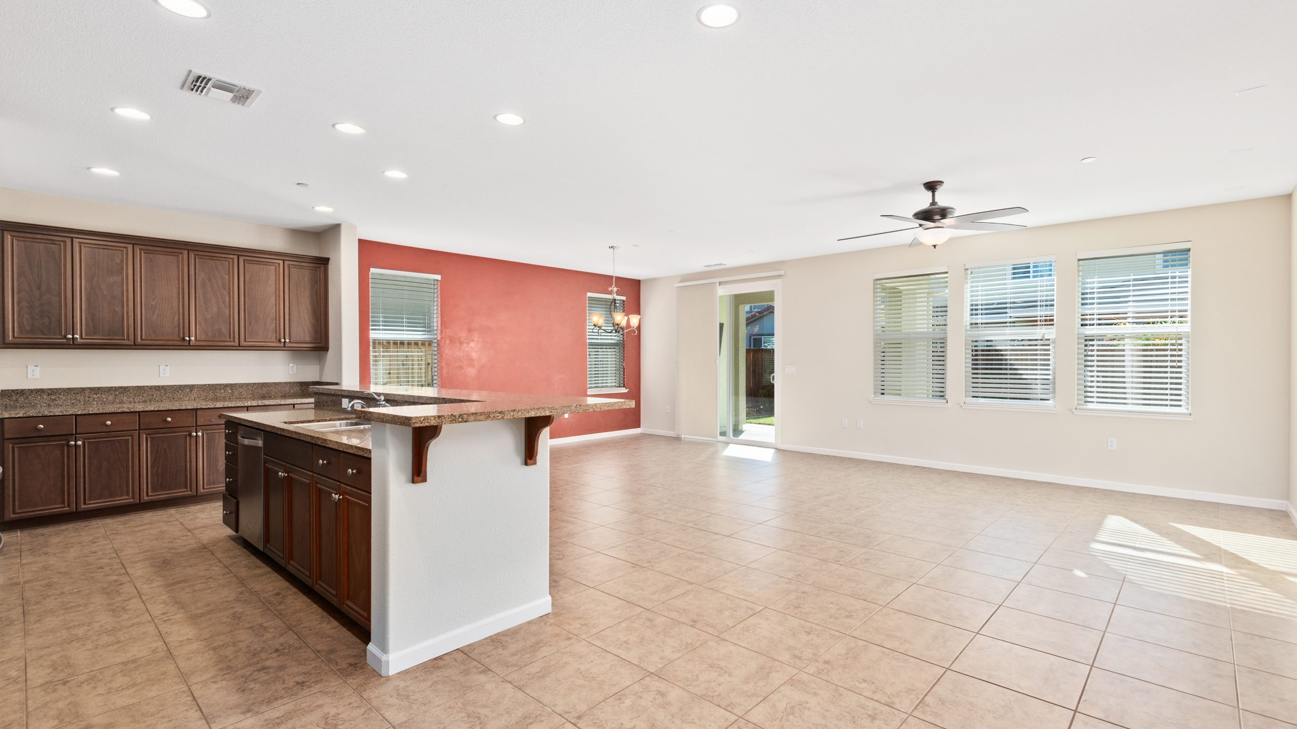 8373-Brookhaven-Circle-Discovery-Bay-7-of-42-1541610445