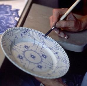 craftmanship-hand-paint-blue-fluted-2-jpg_jpg-1