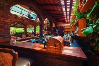 10 Photograph _Medieval Bar
