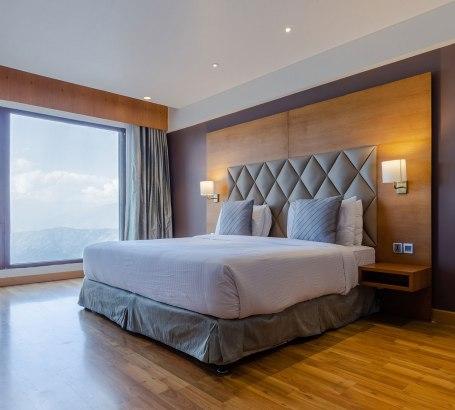 21_Ramada-Room-02