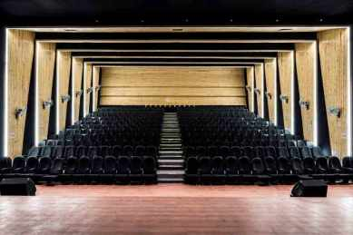 10-Seating-view-as-seen-from-stage