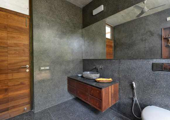 10--view-of-powder-room
