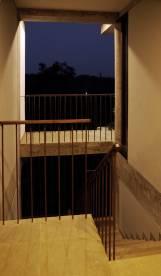 14-topstairlanding