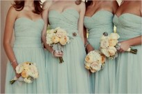 Bridesmaids in mint