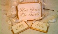 Wedding signs, by RomanticPlanet on etsy.com