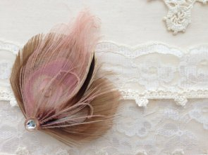 Fascinator, by MaddieLus on etsy.com