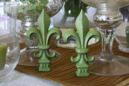 Fleur De Lis iron table decorations (available in custom colours), by oxfordstreetgifts on etsy.com