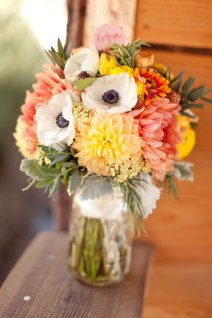 Bouquet in coral and yellow