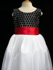 Flower girl dress, by HannahandAnne on etsy.com