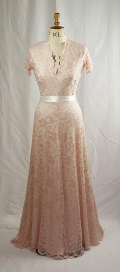 Wedding dress, by BaylisandKnight on etsy.com