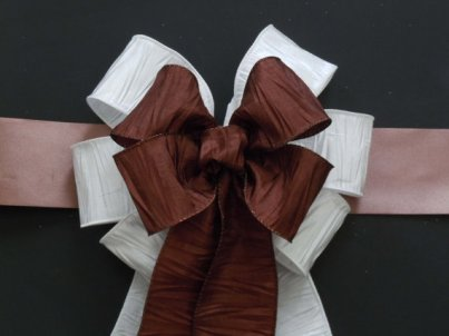 Church pew bows, by greentraderllc on etsy.com