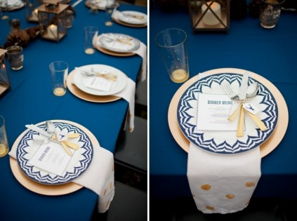 Table setting idea {via weddingomania.com}