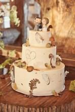 Wedding cake inspiration {via riversidefarmweddings.com}