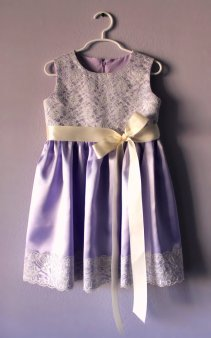 Flower girl dress, by LudasBoxOfTreasures on etsy.com