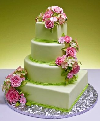 Light pink and green wedding cake {via wonderfulweddingthemes.blogspot.com}