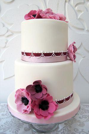 Beautiful burgundy and pink wedding cake {via rosalindmillercakes.com}