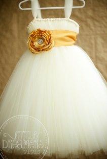 White and gold flower girl dress - www.etsy.com/shop/littledreamersinc