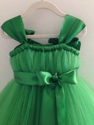 Emerald-green flower girl dress - www.etsy.com/shop/HadandHarps