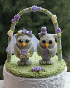 Lilac and green owl cake topper - www.etsy.com/shop/PerlillaPets