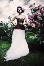 Burgundy and white wedding dress - www.etsy.com/shop/CathyTelle