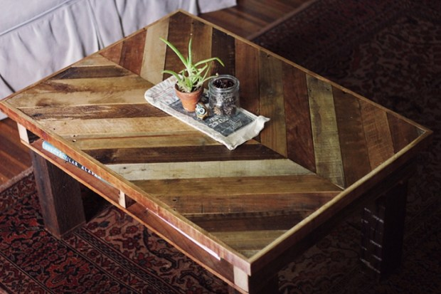 Pallet Projects Furniture DIY Coffee Table Chevron Living Room Books Plants