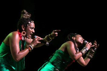 Les Nubians - Helene and Celia Faussart
