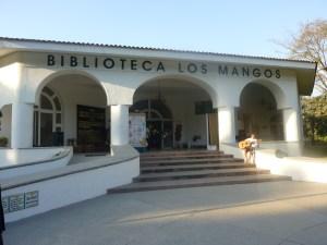 Los Mangos Library (Biblioteca Los Mangos)
