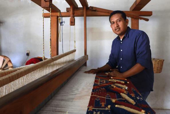 Porfirio Gutierrez, Oaxacan weaver