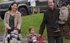 David-Cameron-and-family-007