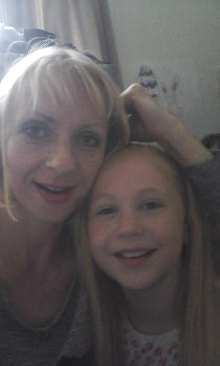 belinda saunders and her daughter