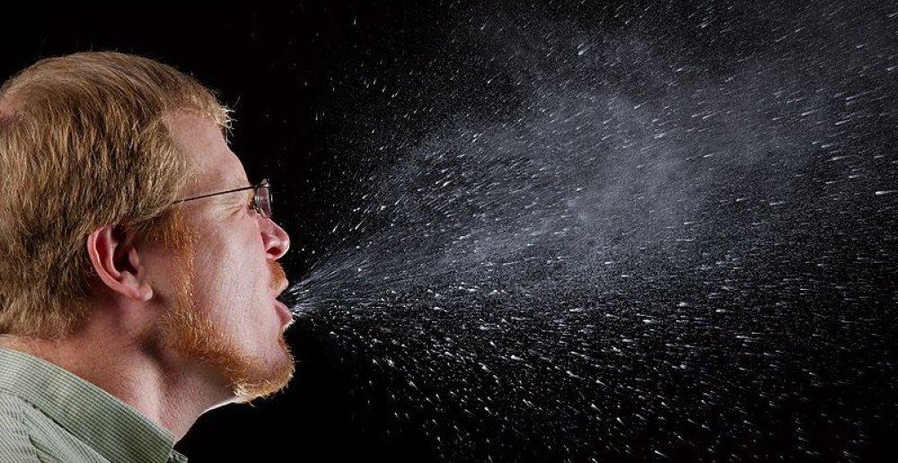 sneeze droplets