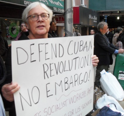 Vivian Sahner, SWP candidate for U.S. Senate from New Jersey, joins Oct. 31 protest in New York against U.S. embargo of Cuba.
