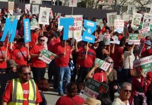 Maestros exigen más fondos escolares, clases más pequeñas y alza salarial, diciembre 15.